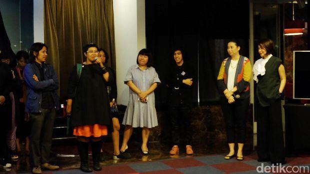 Empat Seniman Bicara tentang Fashion Eksperimental di Pameran 'WUSINWUG'