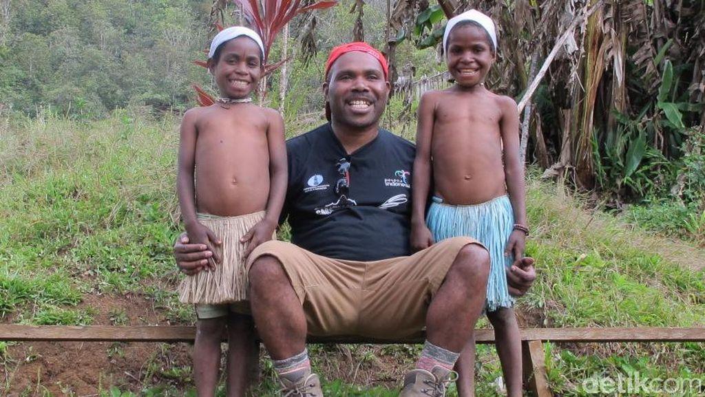 Video: Cerita Orang Papua Tentang Keindahan Tanah Kelahirannya