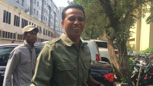 Besuk Kader HMI, Anggota DPD: Ismail Anak Angkat Saya