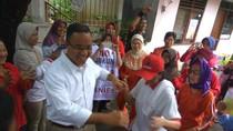 Kurang Sehat, Anies Baswedan Tetap Joget Bareng Warga Johar Baru