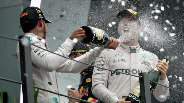 Rosberg vs Hamilton Berlanjut Sampai Balapan Pamungkas
