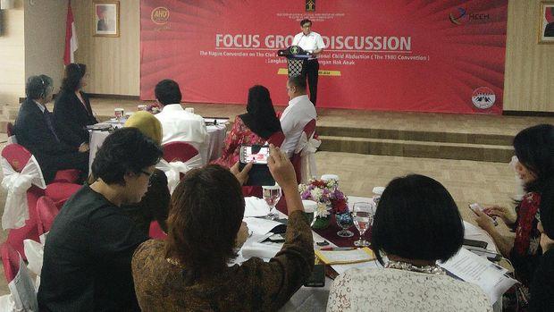 Yasonna Kumpulkan Ahli Cari Solusi Perlindungan Anak Hasil Kawin Campur
