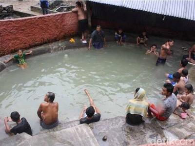 Kesal dengan Suasana Jakarta, Saatnya Kamu Berendam Air Panas