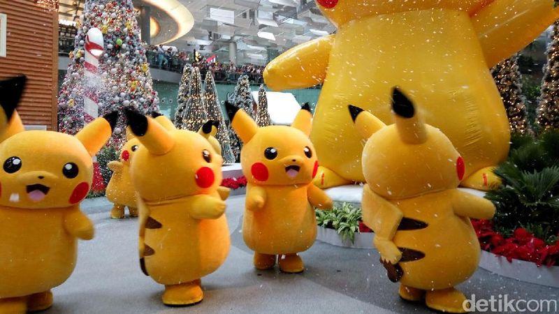 Traveler penggila Pokemon wajib singgah di Bandara Changi di Singapura. Merayakan liburan akhir tahun ini Bandara Changi akan menyuguhkan hiburan bertemakan Pokemon (Aditya Mardiastuti/detikTravel)