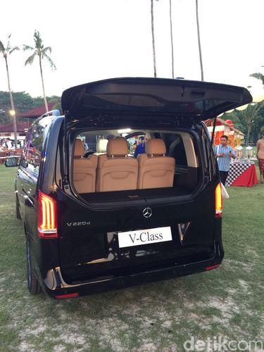 Merasakan Jadi Penumpang Mini Van Mewah Mercy