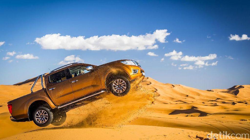 Nissan Navara Jumpalitan di Gurun Sahara