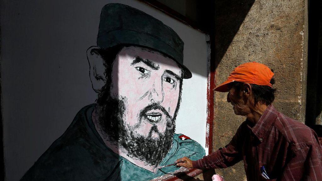 Panorama Mural Fidel Castro di Berbagai Negara
