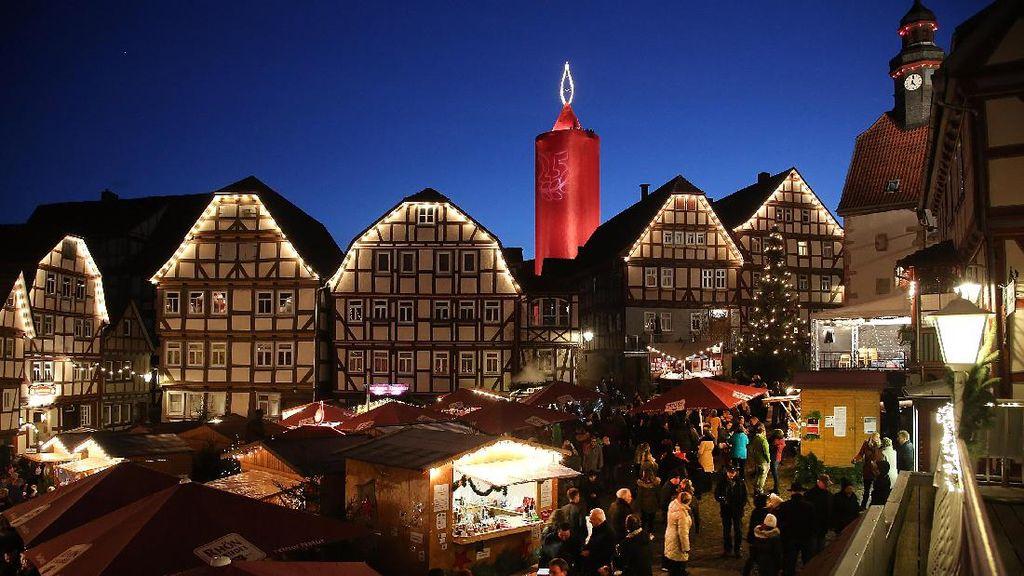 Begini Penampakan Lilin Raksasa di Pasar Natal Jerman