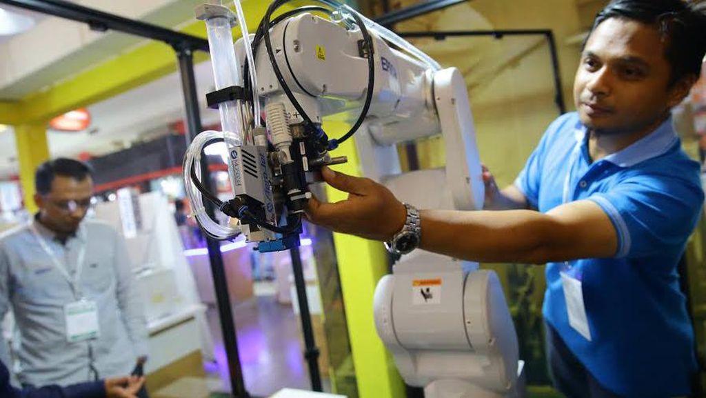 Robot Bukan Penyebab Utama Susah Cari Kerja di RI, Lalu Apa?