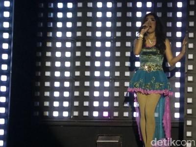 Jangan Salah, Ini Pertunjukan Ladyboy Lucu di Yogyakarta
