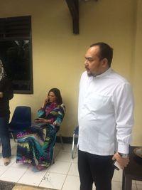Foto Pemeriksaan Rachmawati dan Mulan yang Temani Ahmad Dhani di Mako Brimob