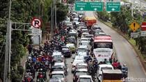 Polisi Berdayakan Satpam Perkantoran Bantu Urai Macet di Jakarta