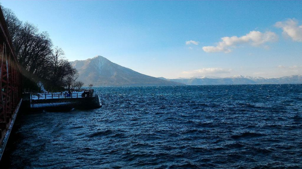 Danau Shikotsu Toya yang Tak Pernah Beku & Kisah Orang Hilang