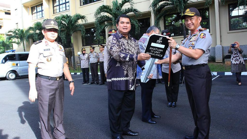 PGN Berikan Bantuan 13 Unit Ambulance Rp 4,6 Miliar ke Polri