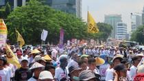 Petani Demo Tolak Impor Kentang, Jalan di Depan Kemendag Sempat Tersendat