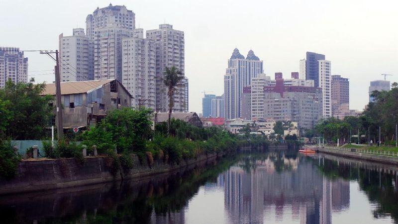 Di Kota Kaohsiung, mengalir sebuah sungai dengan nama unik. Ai He, atau Love River. Dinamakan demikian karena suasana di sungai ini katanya romantis kalau malam tiba (Wahyu/detikTravel)