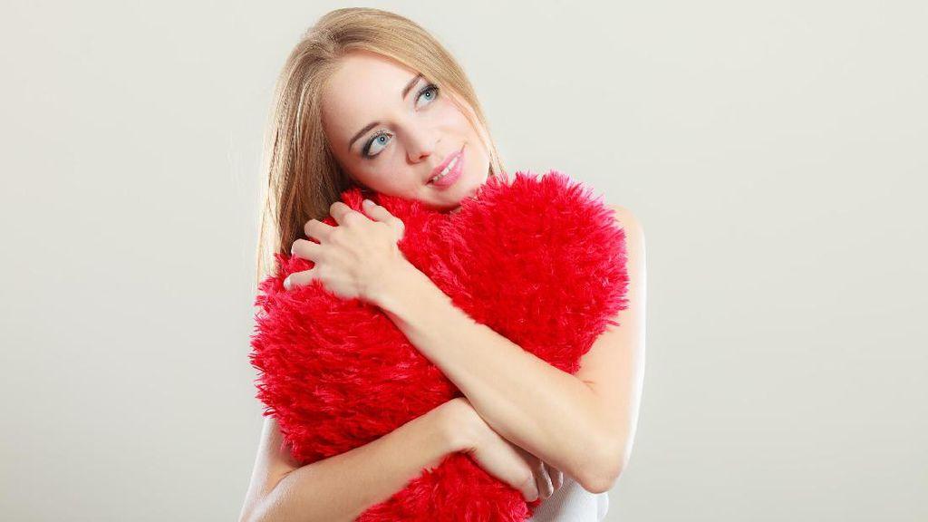 Alasan Wanita Usia 30-an Tidak Disarankan Cari Pacar Lewat Tinder