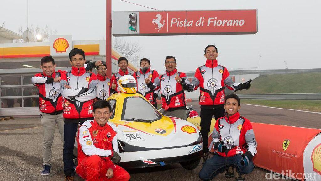 Mobil Mahasiswa Indonesia Ngebut di Sirkuit Ferrari Italia