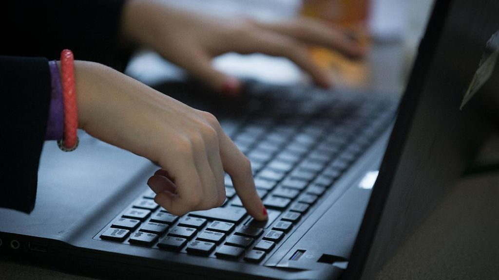 Kominfo Mudahkan Aduan Konten Negatif di Pilkada dan Pilpres