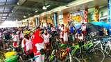 Bersepeda Bersama Keluarga dalam One Fun Day Transmart Carrefour