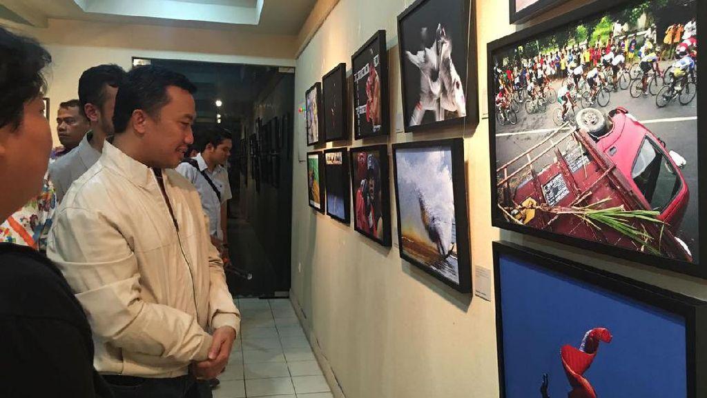 Menpora Buka Pameran Fotografi Olahraga di TIM