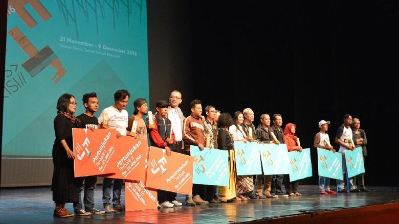 Teater Hijau Lima Satu Juarai Kompetisi Festival Teater Jakarta 2016