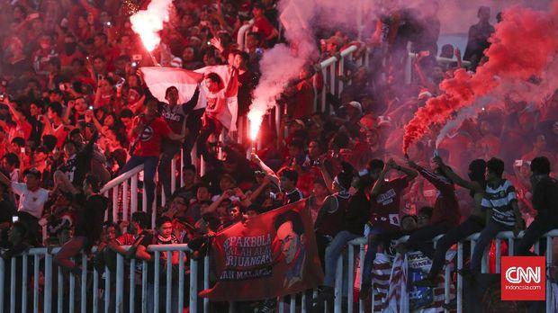 Suporter Timnas Indonesia selalu haus terhadap prestasi.