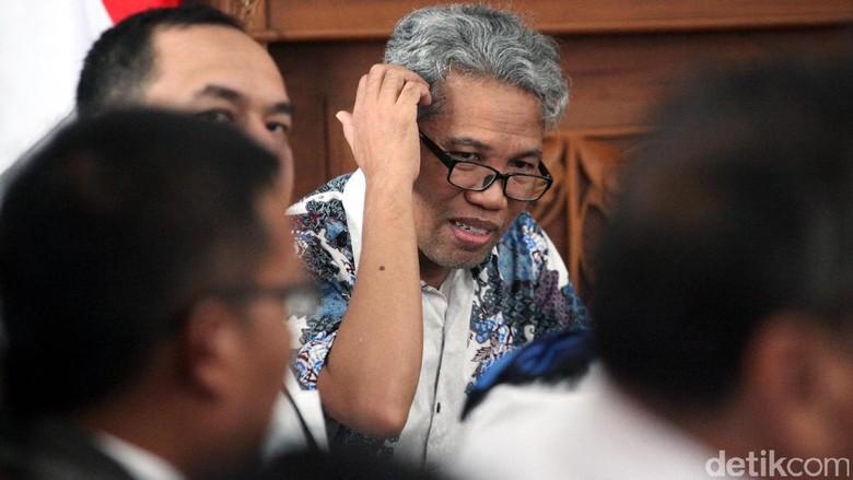 4 Pertimbangan Hakim Vonis Buni Yani 1 Tahun 6 Bulan