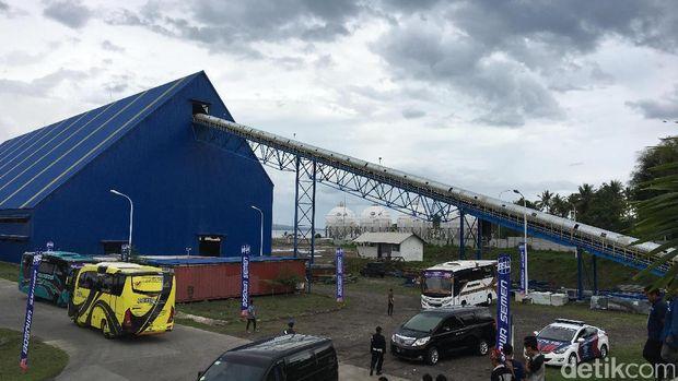 JK Resmikan Pabrik Semen dan Terminal LPG Bosowa di Banyuwangi Rp 2 T