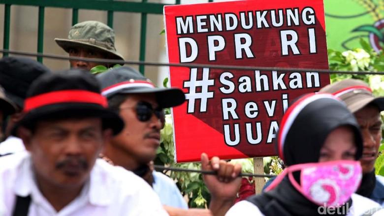 Revisi UU ASN: Pegawai Honorer Bisa Jadi PNS Tanpa Tes