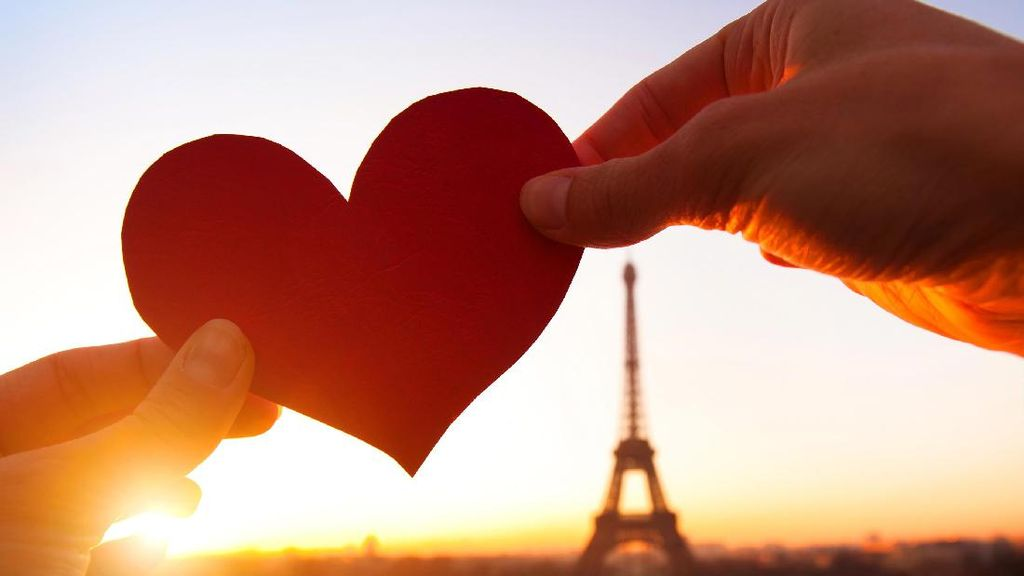 Sweet, 5 Kisah Cinta Ini Lebih Romantis Dibanding Cerita Dongeng