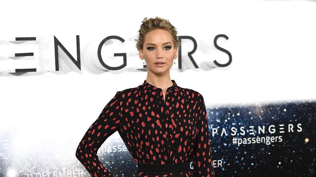 Jet Pribadi Mendarat Darurat, Jennifer Lawrence Ketakutan