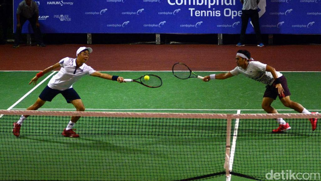 Christoper/Justin Juara Ganda Turnamen Combiphar Tenis Open 2016