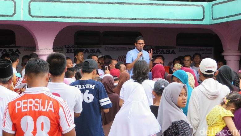 Sandiaga Janji Bangun Stadion: Rumput Kayak MU, Kursi Seperti Bayern Munchen