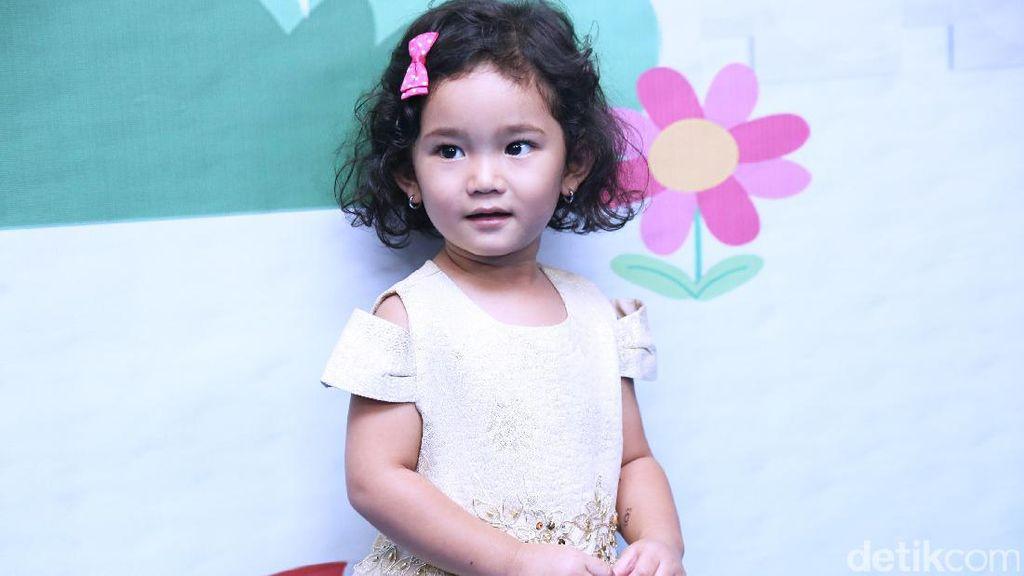 Anak Ayu Ting Ting Minta Rayakan Ulang Tahun di Tempat Nongkrong