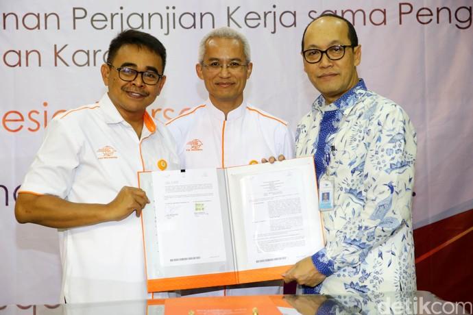 Garuda Indonesia dan Pos Indonesia Jalin Kerja Sama