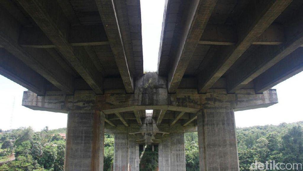 Dilarang Melintas Jembatan Cisomang, Truk Jakarta-Bandung Pakai Jalur Alternatif