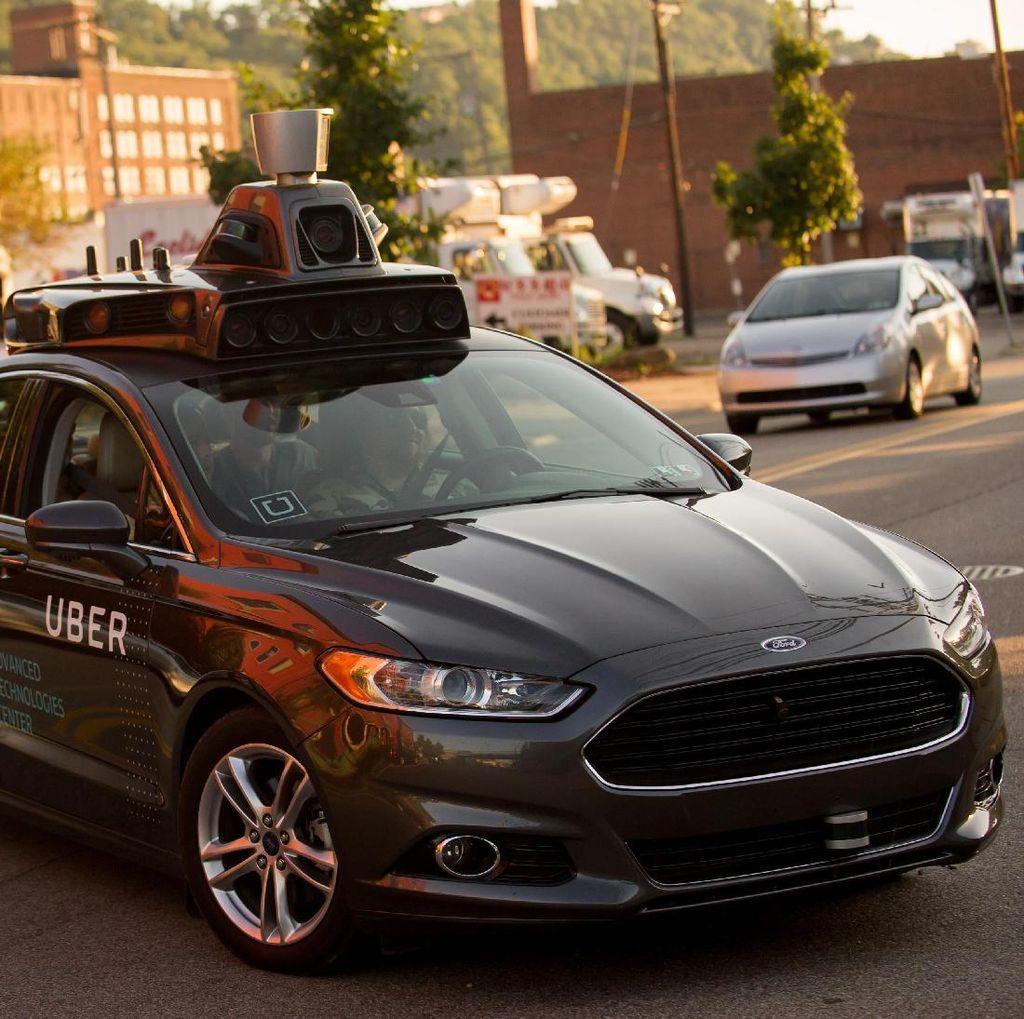 Astaga! Mobil Otonom Uber Tabrak Pejalan Kaki
