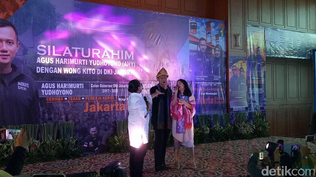 Silaturahmi dengan Komunitas Palembang, Agus Yudhoyono Nyanyi Bareng Annisa