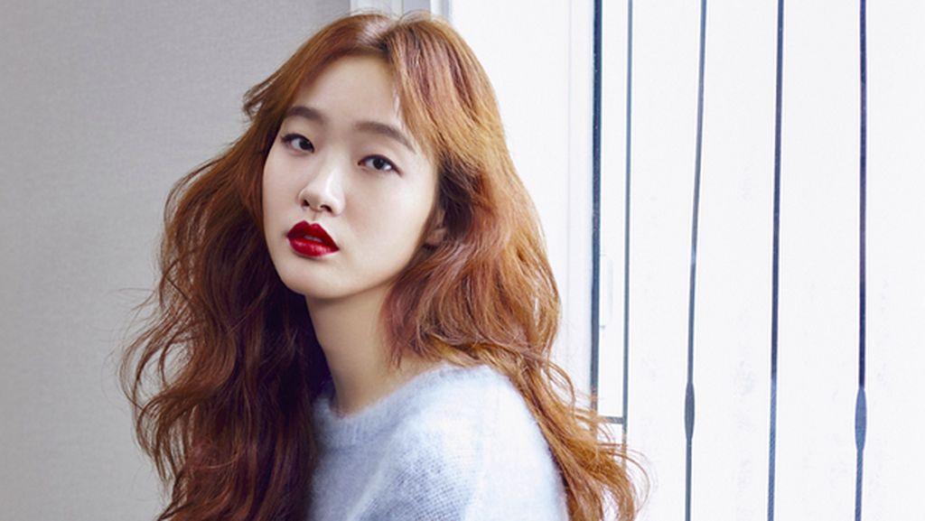 Tips Kulit Cantik Mulus dari Kim Go Eun, Bintang Serial Drama Korea Goblin