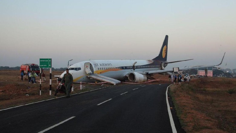 Pesawat Maskapai India Tergelincir Saat Akan Lepas Landas, 15 Orang Luka
