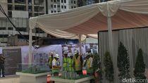 Jokowi Lakukan Topping Off Pembangunan Wisma Atlet Kemayoran