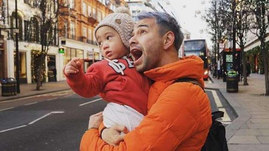 Yeay, Rafathar Happy Banget Saat Liburan ke London