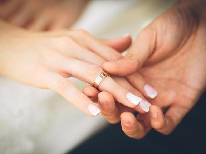 Pernikahan bisa jadi hal yang positif mencegah timbulnya demensia. (Foto: ilustrasi/thinkstock)