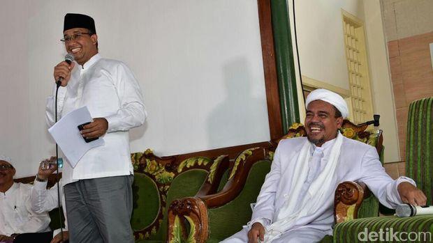 Calon Gubernur DKI Jakarta Anies Baswedan memenuhi undangan diskusi dari pimpinan FPI Habib Rizieq di Jakpus bersama Dr Hidayat Nur Wahid/ Foto: Dokumentasi Tim Anies Baswedan