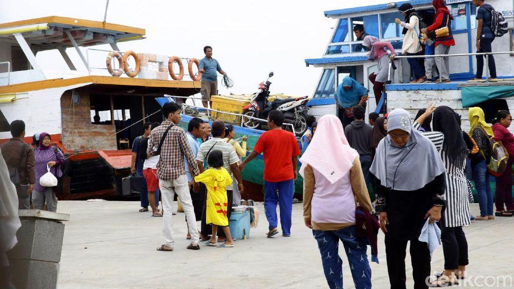 Polemik Kapal Ojek di Pelabuhan Muara Angke