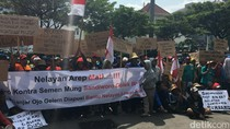 Massa Nelayan Demo Gubernur Ganjar soal Pelarangan Cantrang