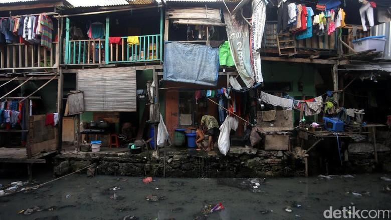 Penduduk Miskin RI Bertambah 6.900 Orang