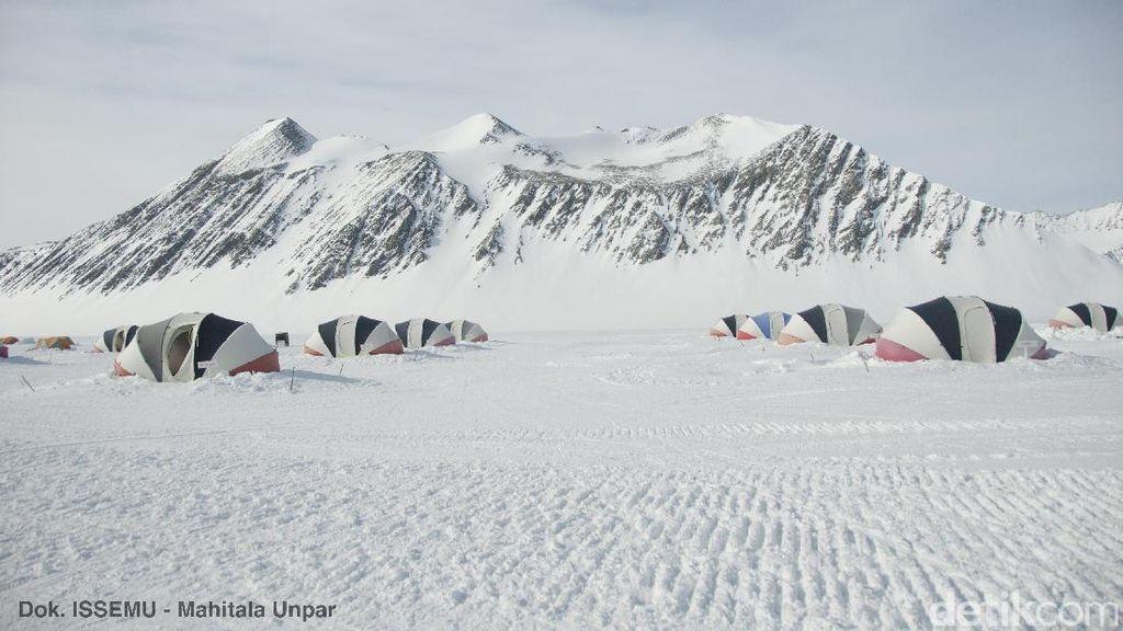 Waduh, 91 Gunung Berapi Sembunyi di Antartika
