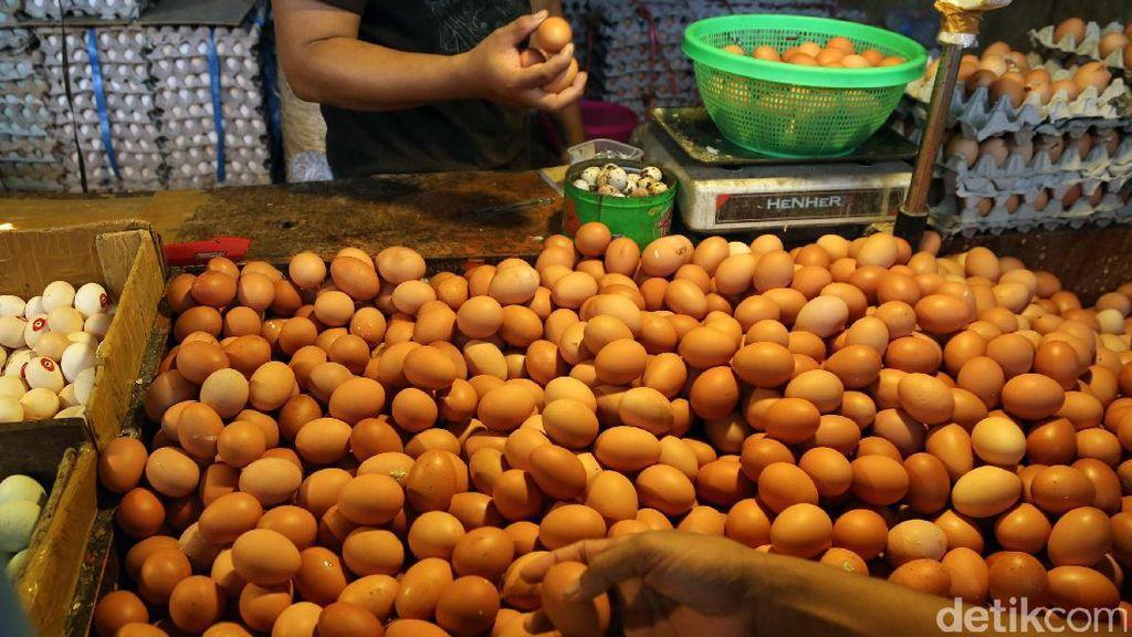 Harga Telur dan Daging Ayam Naik Jelang Ramadan